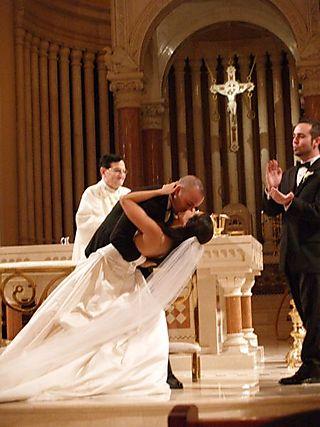 Wedding kiss 3