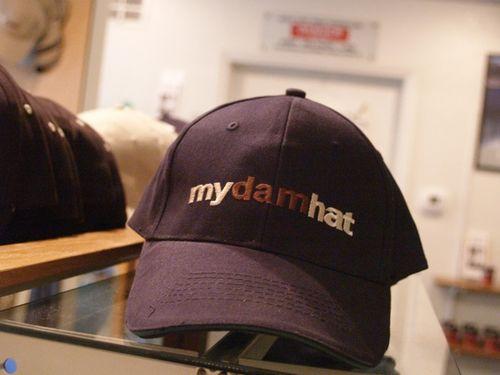 Dam hat