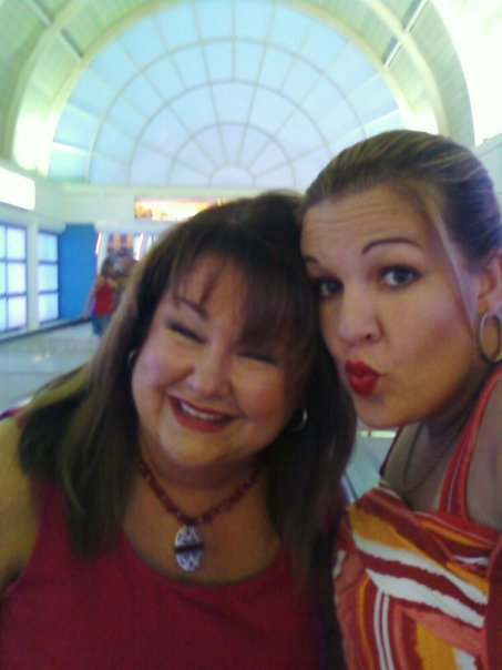 Mami and Kikita in Vegas