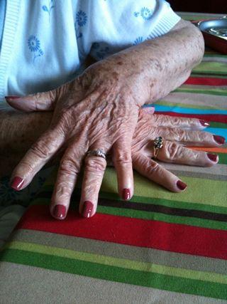 Luza's hands