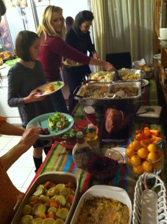 Thanksgiving food line