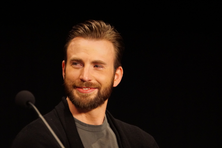Marvel-Avengers-Age-Of-Ultron-junket-Chris-Evans