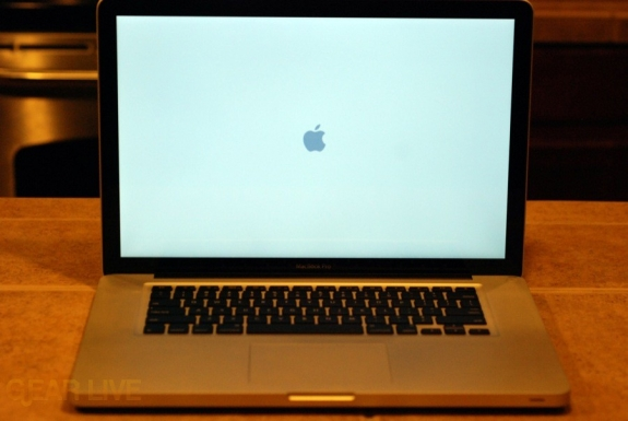 Powering up MacBook Air