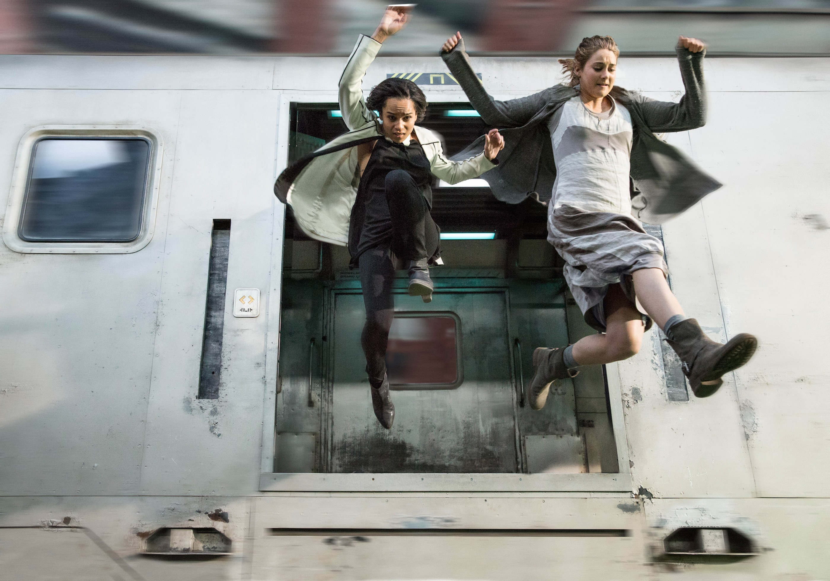 Final Trailer for Sci-Fi Action Film DIVERGENT — GeekTyrant