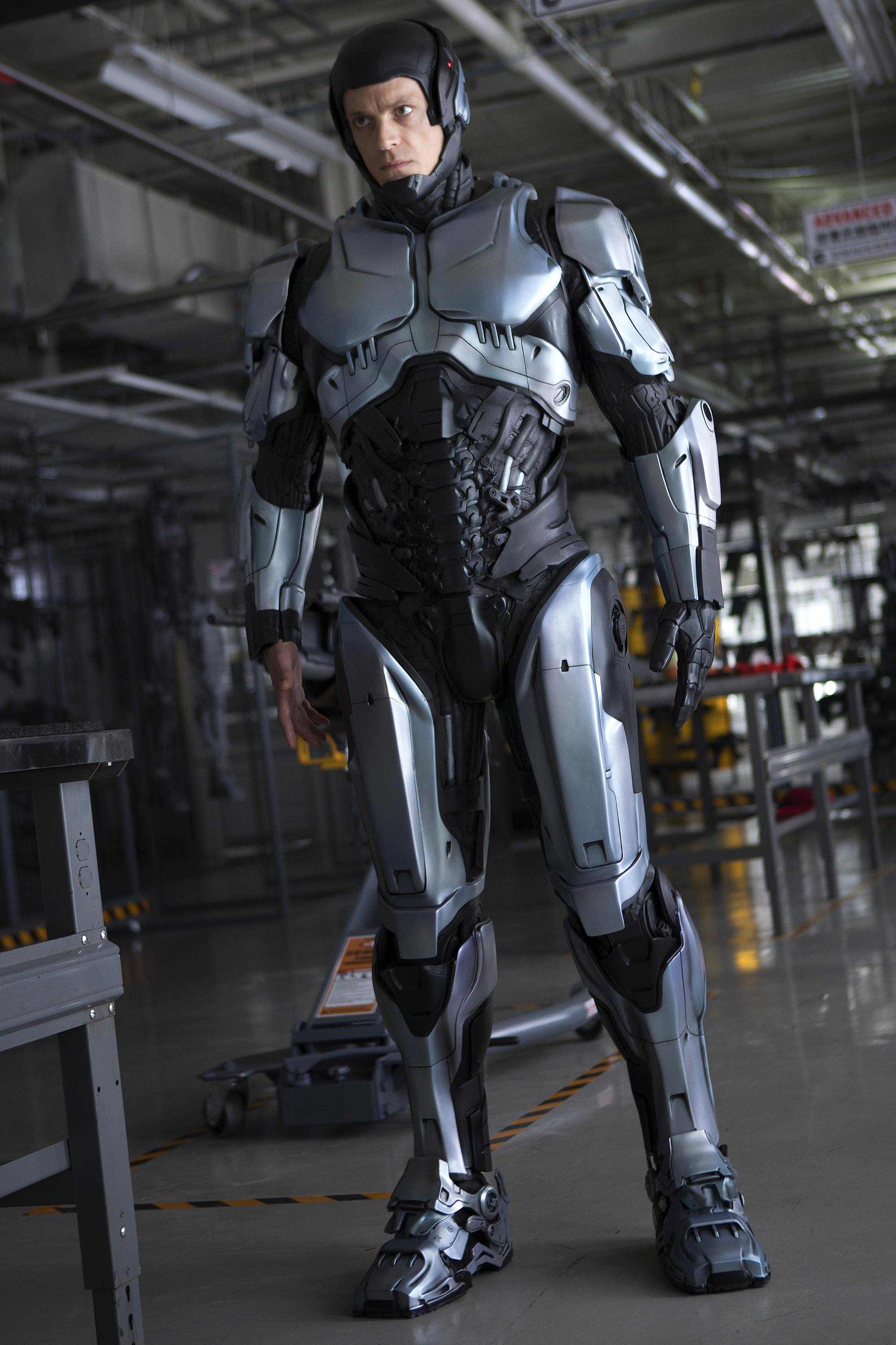 3 TV Spots for ROBOCOP with New Footage — GeekTyrant
