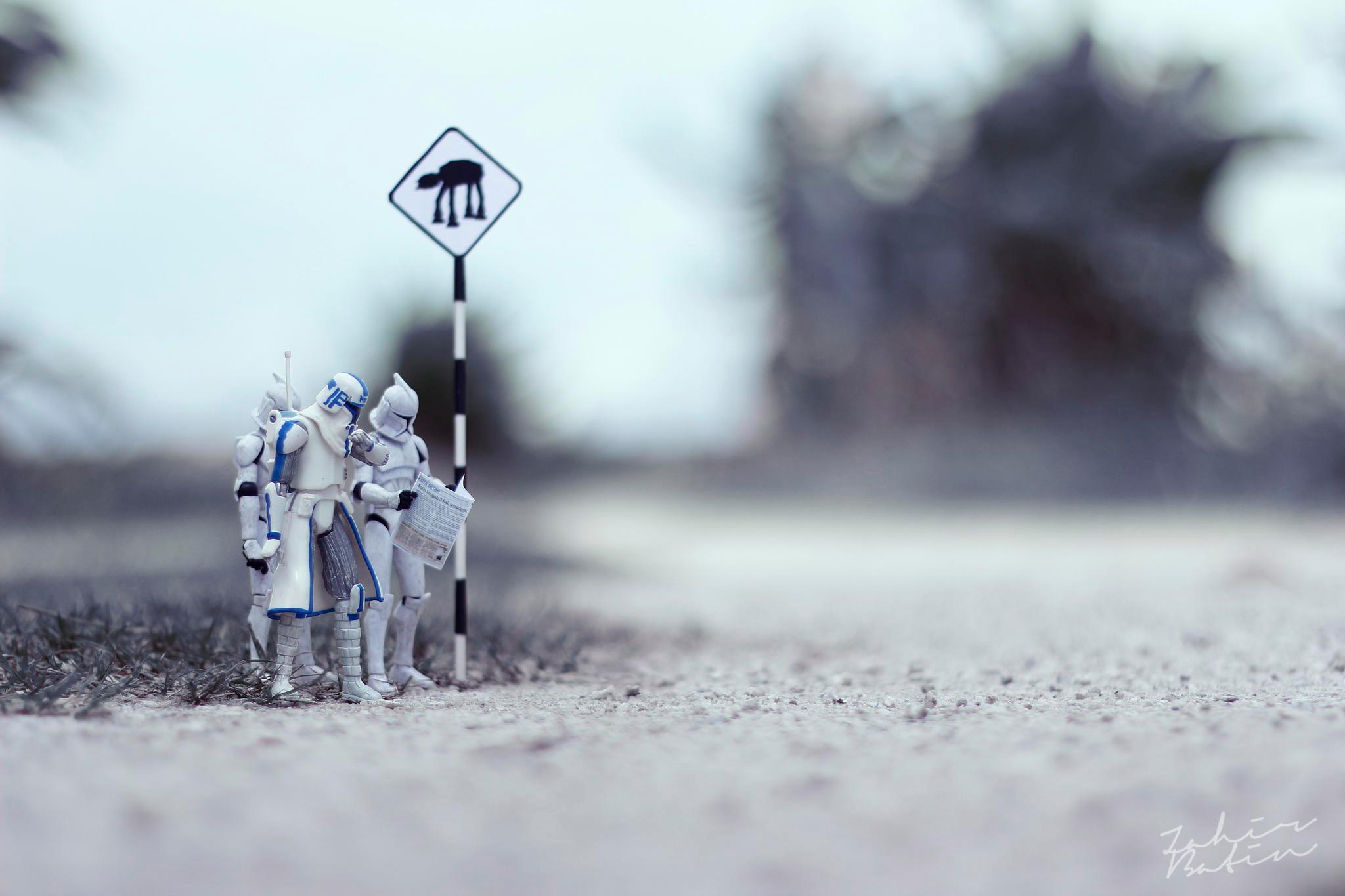 Dramatic And Amusing Macro Shots Of Star Wars Figurines