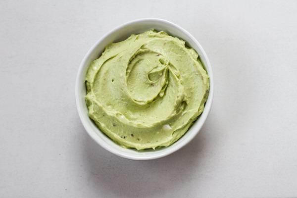 avocado goat cheese spread | edibleperspective.com