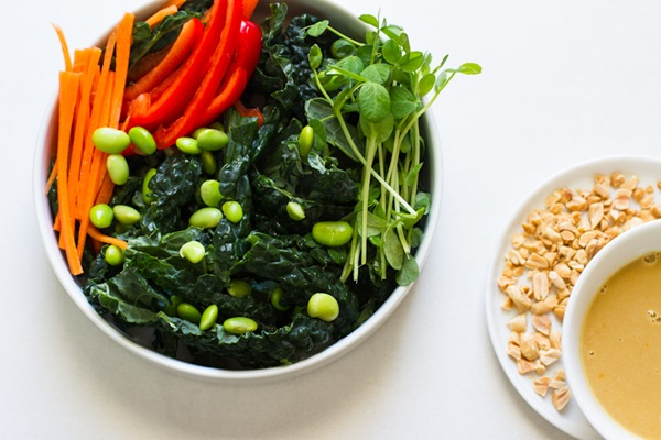 thai kale salad and peanut dressing // edible perspective