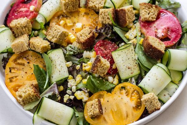 cornbread panzanella salad | edible perspective