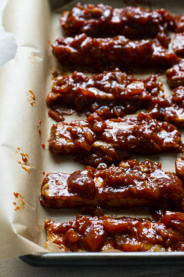 pineapple barbecue sauce + baked tempeh // edible perspective