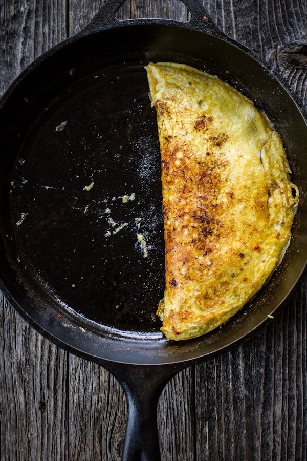Pesto + Roasted Tomato Omelet | edibleperspective.com #breakfast #glutenfree