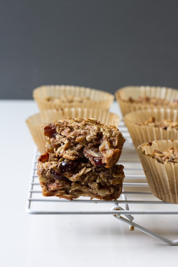 breakfast friday >> soft batch oatmeal bars || edible perspective