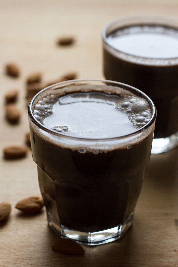 chocolate peppermint almond milk | edible perspective