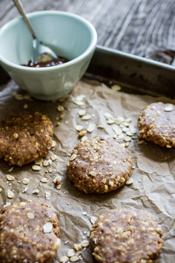 "No-Bake Peanut Butter ""Cookies"" with a Chocolate Drizzle 