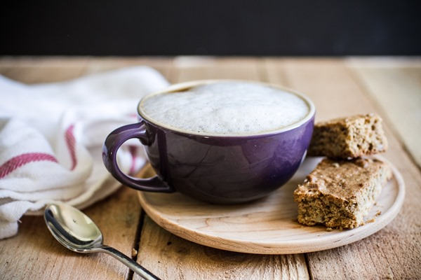 Vanilla Bean Cinnamon Lattes | edibleperspective.com #befair #vegan #fall