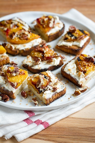 Sweet Grilled Peaches n' Cream Cheese Toast | edible perspective