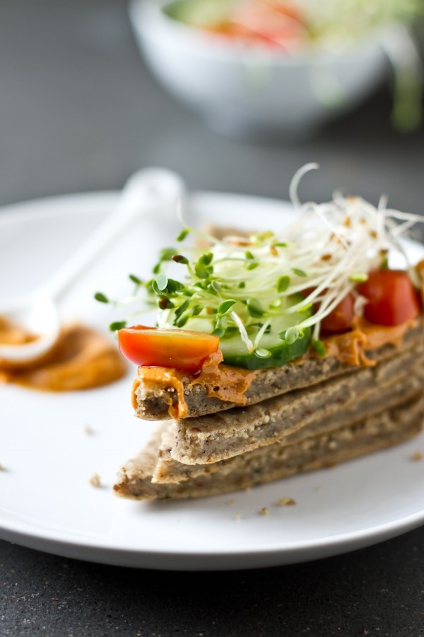 10 recipes for spring - veggie sandwiches with herb quinoa oat bread // edible perspective