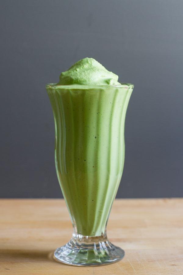 vanilla bean coconut shamrock shake // edible perspective