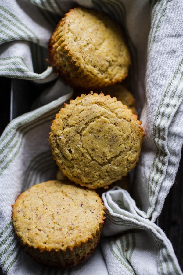 Easy Cornbread Muffins | edibleperspective.com