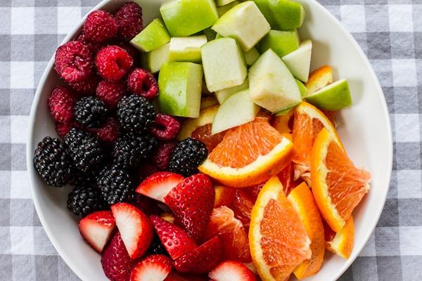 Berry Kombucha Sangria | edibleperspective.com
