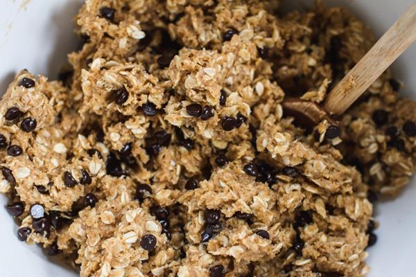 Peanut Butter Cup Oatmeal Cookie Sandwiches | edibleperpsective.com #vegan #glutenfree