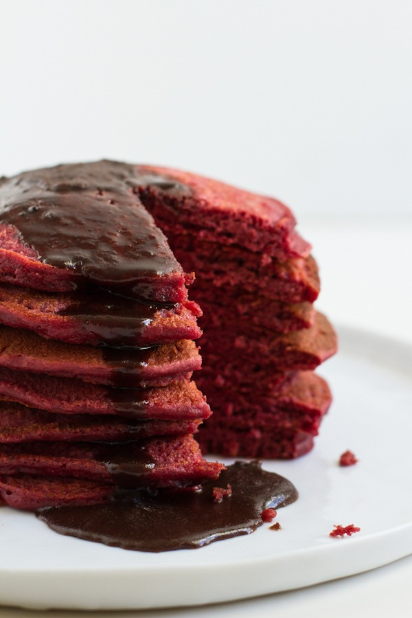 red velvet pancakes // edible perspective