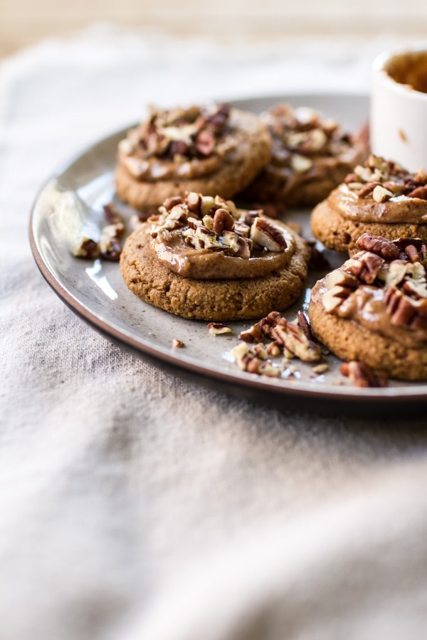 Soft Batch Pumpkin Spice Cookies | edibleperspective.com #vegan #glutenfree