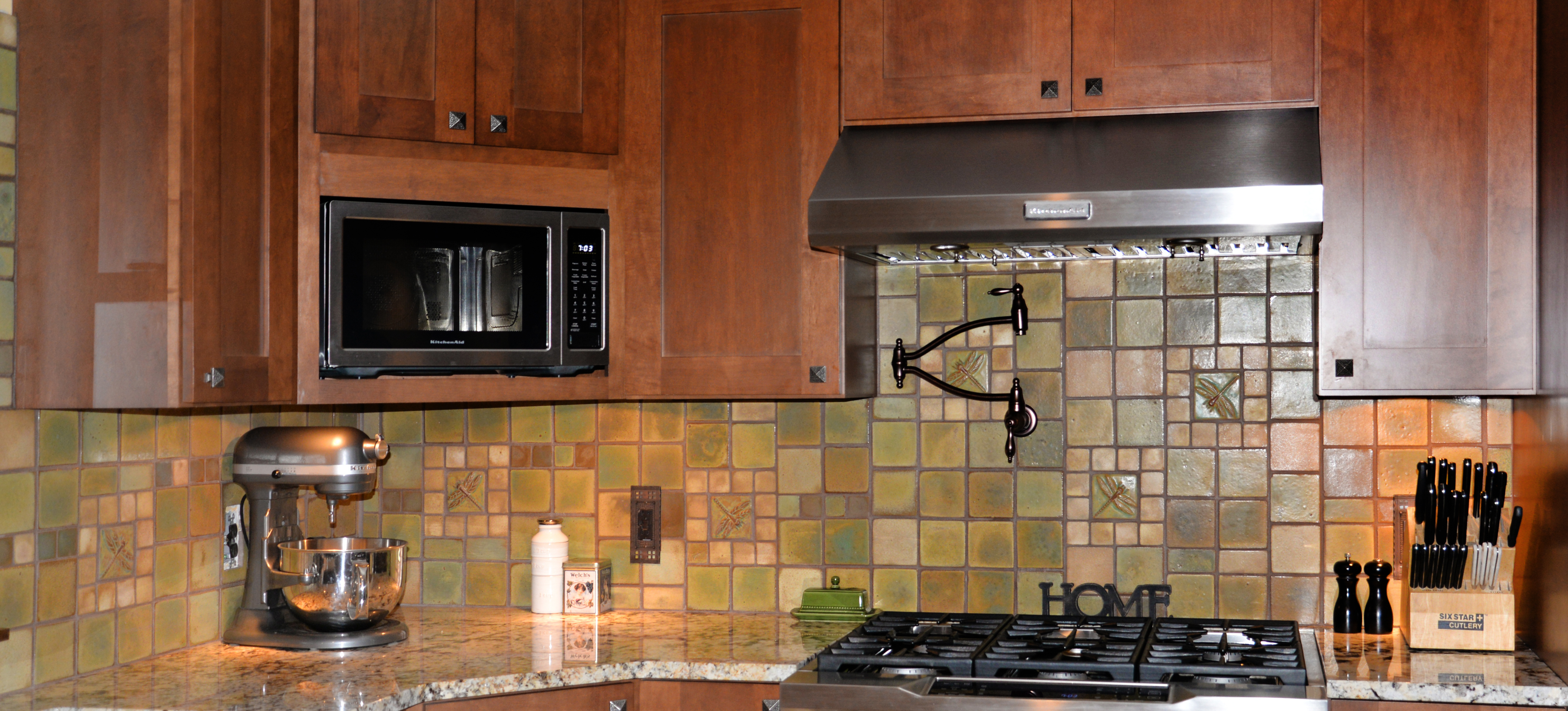 Kitchens pasadena craftsman tile dailygadgetfo Choice Image