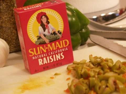Raisins & olives