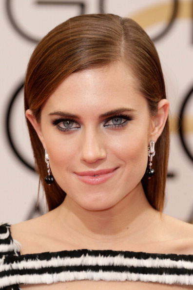 Get the Look: Allison Williams at the 2014 Golden Globes.