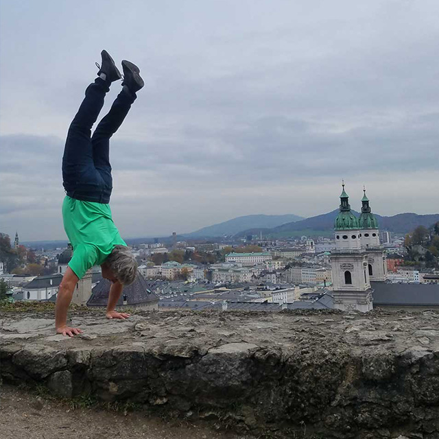 tom handstand in italy