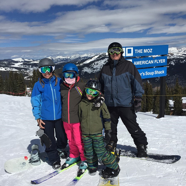 erin and family skiing
